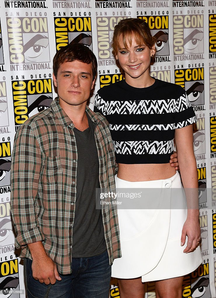 Actors <a gi-track='captionPersonalityLinkClicked' href=/galleries/search?phrase=Josh+Hutcherson&family=editorial&specificpeople=673588 ng-click='$event.stopPropagation()'>Josh Hutcherson</a> (L) and <a gi-track='captionPersonalityLinkClicked' href=/galleries/search?phrase=Jennifer+Lawrence&family=editorial&specificpeople=1596040 ng-click='$event.stopPropagation()'>Jennifer Lawrence</a> attend Lionsgate's 'The Hunger Games: Catching Fire' and 'I, Frankenstein' press line during Comic-Con International 2013 at the Hilton Bayfront on July 20, 2013 in San Diego, California.