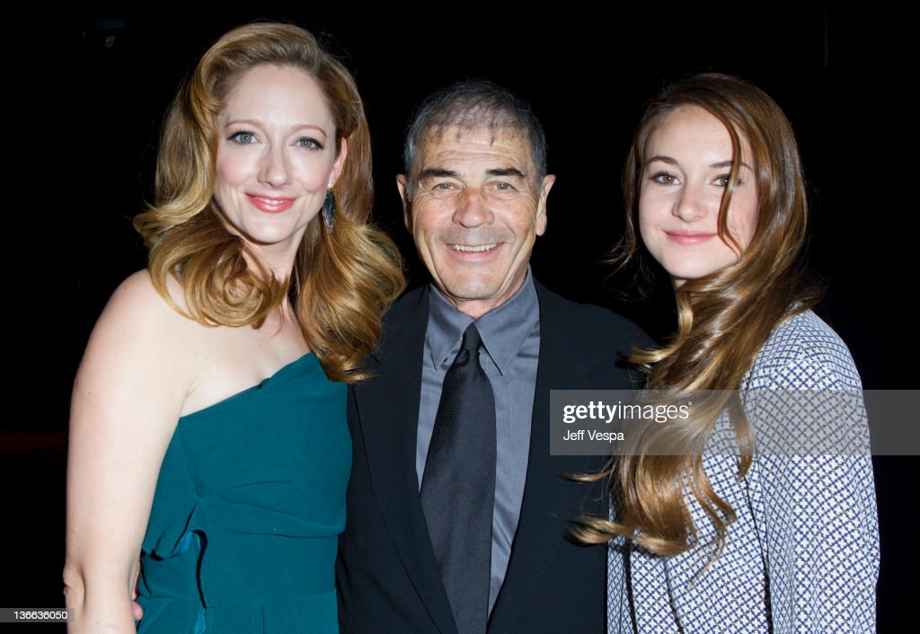 Actors <a gi-track='captionPersonalityLinkClicked' href=/galleries/search?phrase=Judy+Greer&family=editorial&specificpeople=214752 ng-click='$event.stopPropagation()'>Judy Greer</a>, Robert Forster and <a gi-track='captionPersonalityLinkClicked' href=/galleries/search?phrase=Shailene+Woodley&family=editorial&specificpeople=676833 ng-click='$event.stopPropagation()'>Shailene Woodley</a> attend The 23rd Annual Palm Springs International Film Festival Awards Gala at the Palm Springs Convention Center on January 7, 2012 in Palm Springs, California.