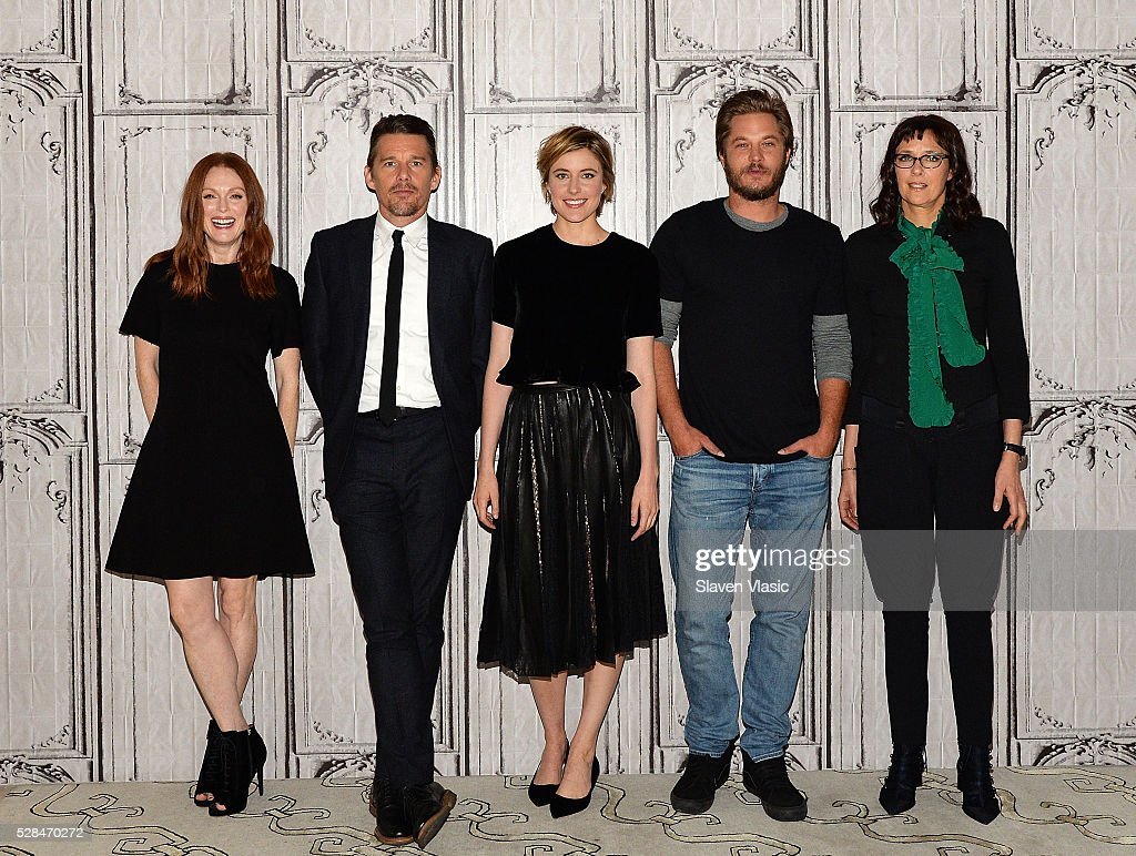 Actors <a gi-track='captionPersonalityLinkClicked' href=/galleries/search?phrase=Julianne+Moore&family=editorial&specificpeople=171555 ng-click='$event.stopPropagation()'>Julianne Moore</a>, <a gi-track='captionPersonalityLinkClicked' href=/galleries/search?phrase=Ethan+Hawke&family=editorial&specificpeople=178274 ng-click='$event.stopPropagation()'>Ethan Hawke</a>, <a gi-track='captionPersonalityLinkClicked' href=/galleries/search?phrase=Greta+Gerwig&family=editorial&specificpeople=4249808 ng-click='$event.stopPropagation()'>Greta Gerwig</a>, <a gi-track='captionPersonalityLinkClicked' href=/galleries/search?phrase=Travis+Fimmel&family=editorial&specificpeople=3144066 ng-click='$event.stopPropagation()'>Travis Fimmel</a> and writer/director <a gi-track='captionPersonalityLinkClicked' href=/galleries/search?phrase=Rebecca+Miller&family=editorial&specificpeople=213307 ng-click='$event.stopPropagation()'>Rebecca Miller</a> visit AOL Build to talk about their new movie ''Maggies Plan' at AOL Studios In New York on May 5, 2016 in New York City.