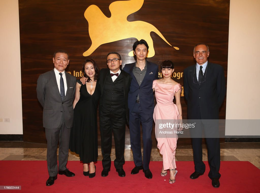 Actors <a gi-track='captionPersonalityLinkClicked' href=/galleries/search?phrase=Jun+Kunimura&family=editorial&specificpeople=4599234 ng-click='$event.stopPropagation()'>Jun Kunimura</a>, <a gi-track='captionPersonalityLinkClicked' href=/galleries/search?phrase=Megumi+Kagurazaka&family=editorial&specificpeople=7793958 ng-click='$event.stopPropagation()'>Megumi Kagurazaka</a>, director <a gi-track='captionPersonalityLinkClicked' href=/galleries/search?phrase=Sion+Sono&family=editorial&specificpeople=6541524 ng-click='$event.stopPropagation()'>Sion Sono</a>, actors <a gi-track='captionPersonalityLinkClicked' href=/galleries/search?phrase=Hiroki+Hasegawa&family=editorial&specificpeople=11310455 ng-click='$event.stopPropagation()'>Hiroki Hasegawa</a>, <a gi-track='captionPersonalityLinkClicked' href=/galleries/search?phrase=Fumi+Nikaido&family=editorial&specificpeople=8200734 ng-click='$event.stopPropagation()'>Fumi Nikaido</a> and Venice Film Festival Director <a gi-track='captionPersonalityLinkClicked' href=/galleries/search?phrase=Alberto+Barbera&family=editorial&specificpeople=6900426 ng-click='$event.stopPropagation()'>Alberto Barbera</a> attend the 'Why Don't You Play In Hell?' Premier during the 70th Venice International Film Festivalon August 29, 2013 in Venice, Italy.