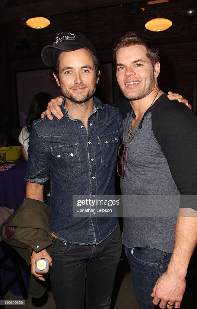 Actors <a gi-track='captionPersonalityLinkClicked' href=/galleries/search?phrase=Justin+Chatwin&family=editorial&specificpeople=560431 ng-click='$event.stopPropagation()'>Justin Chatwin</a> (L) and Wes Chatham attend Super Bowl Sunday at The Microsoft Experience on February 3, 2013 in Venice, California.