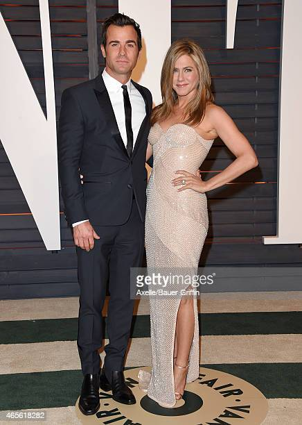 Actors Justin Theroux and Jennifer Aniston arrive at the 2015 Vanity Fair Oscar Party Hosted By Graydon Carter at Wallis Annenberg Center for the...