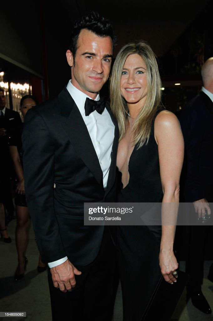 Actors <a gi-track='captionPersonalityLinkClicked' href=/galleries/search?phrase=Justin+Theroux&family=editorial&specificpeople=240634 ng-click='$event.stopPropagation()'>Justin Theroux</a> (L) and <a gi-track='captionPersonalityLinkClicked' href=/galleries/search?phrase=Jennifer+Aniston&family=editorial&specificpeople=202048 ng-click='$event.stopPropagation()'>Jennifer Aniston</a> attend LACMA 2012 Art + Film Gala Honoring Ed Ruscha and Stanley Kubrick presented by Gucci at LACMA on October 27, 2012 in Los Angeles, California.