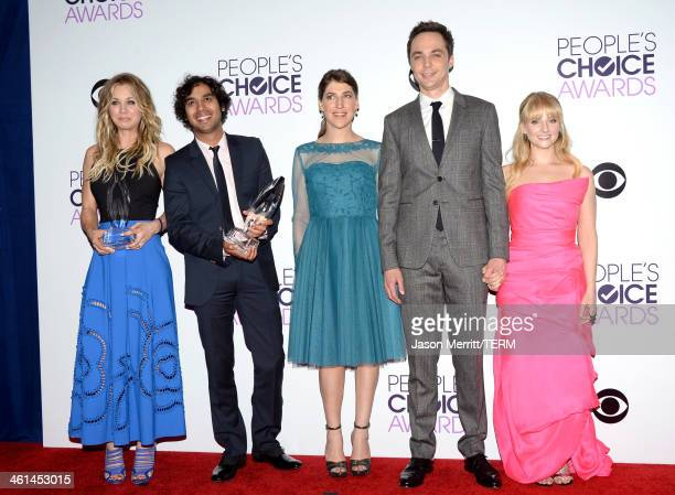 Actors Kaley Cuoco Kunal Nayyar Mayim Bialik Jim Parsons and Melissa Rauch pose in the press room at The 40th Annual People's Choice Awards at Nokia...