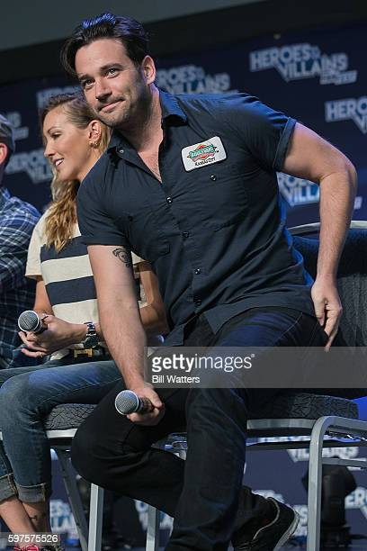Actors Katie Cassidy and Colin Donnell attend the Archer panel during Heroes and Villains Fan Fest at San Jose Convention Center on August 28 2016 in...