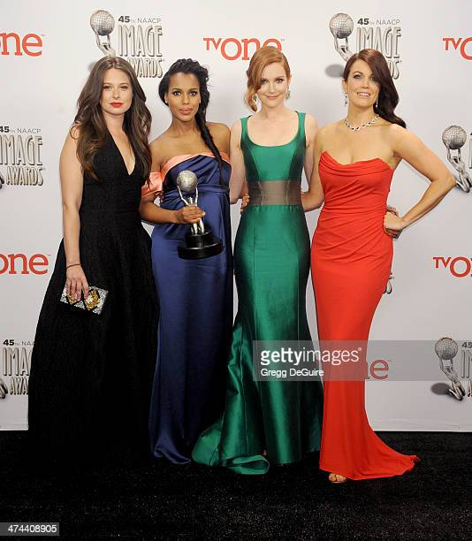 Actors Katie Lowes Kerry Washington Darby Stanchfield and Bellamy Young pose in the press room at the 45th NAACP Image Awards at Pasadena Civic...