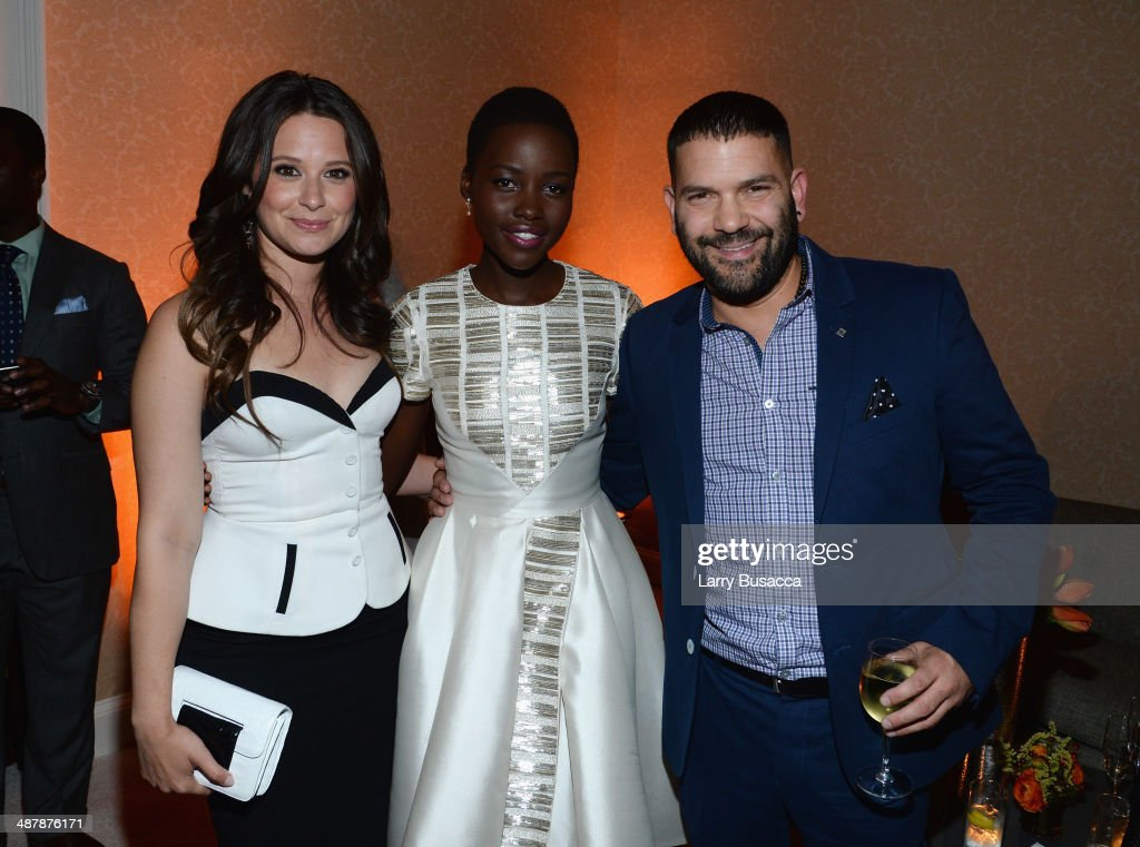 Actors <a gi-track='captionPersonalityLinkClicked' href=/galleries/search?phrase=Katie+Lowes&family=editorial&specificpeople=5527804 ng-click='$event.stopPropagation()'>Katie Lowes</a>, <a gi-track='captionPersonalityLinkClicked' href=/galleries/search?phrase=Lupita+Nyong%27o&family=editorial&specificpeople=10961876 ng-click='$event.stopPropagation()'>Lupita Nyong'o</a> and Guillermo Díaz attend the PEOPLE/TIME WHCD cocktail party at St Regis Hotel - Astor Terrace on May 2, 2014 in Washington, DC.