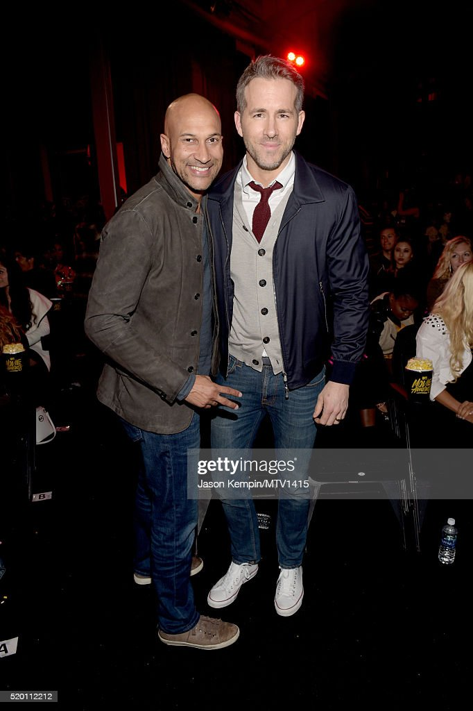 actors-keeganmichael-key-and-ryan-reynolds-pose-backstage-during-the-picture-id520112212