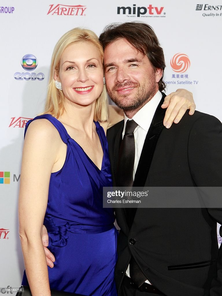 Actors <a gi-track='captionPersonalityLinkClicked' href=/galleries/search?phrase=Kelly+Rutherford&family=editorial&specificpeople=217987 ng-click='$event.stopPropagation()'>Kelly Rutherford</a> and <a gi-track='captionPersonalityLinkClicked' href=/galleries/search?phrase=Matthew+Settle&family=editorial&specificpeople=214670 ng-click='$event.stopPropagation()'>Matthew Settle</a> attend the 40th International Emmy Awards at Mercury Ballroom at the New York Hilton on November 19, 2012 in New York City.