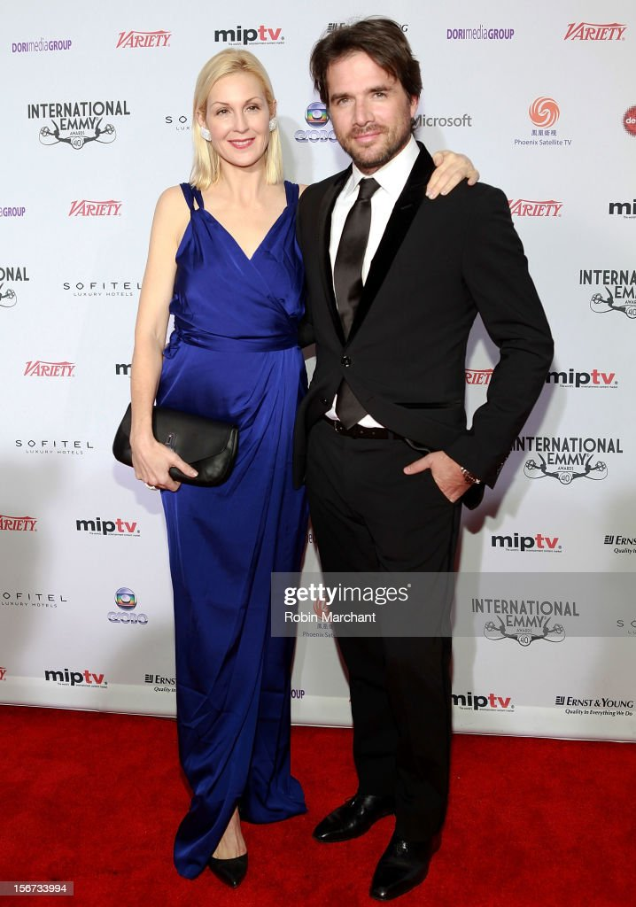 Actors Kelly Rutherford (L) and Matthew Settle attend the 40th International Emmy Awards on November 19, 2012 in New York City.