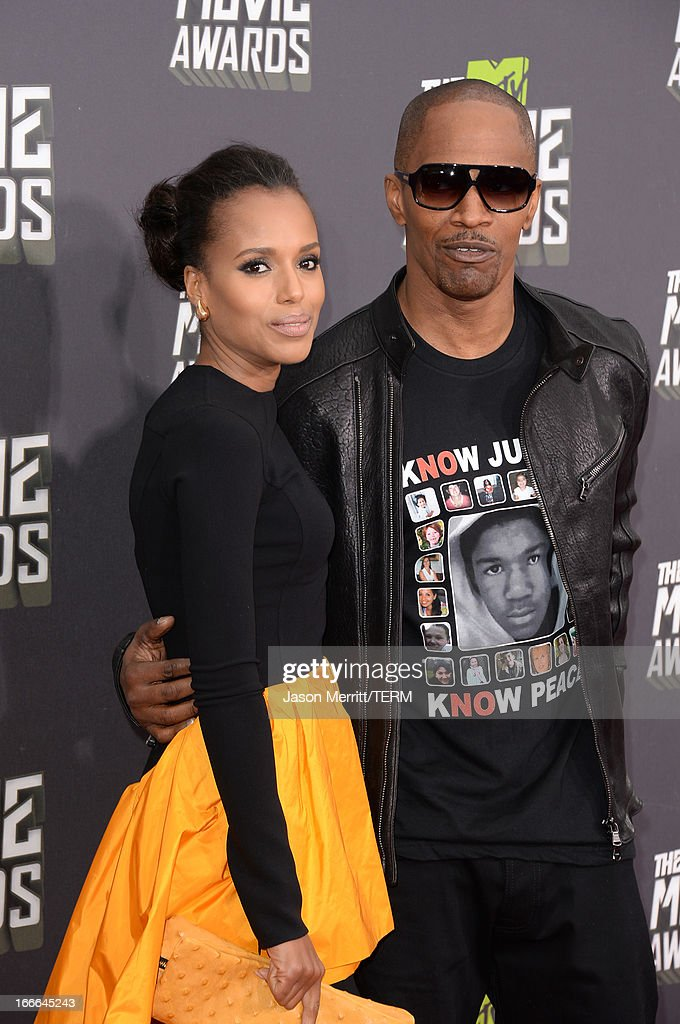 Actors <a gi-track='captionPersonalityLinkClicked' href=/galleries/search?phrase=Kerry+Washington&family=editorial&specificpeople=201534 ng-click='$event.stopPropagation()'>Kerry Washington</a> (L) and <a gi-track='captionPersonalityLinkClicked' href=/galleries/search?phrase=Jamie+Foxx&family=editorial&specificpeople=201715 ng-click='$event.stopPropagation()'>Jamie Foxx</a> arrive at the 2013 MTV Movie Awards at Sony Pictures Studios on April 14, 2013 in Culver City, California.