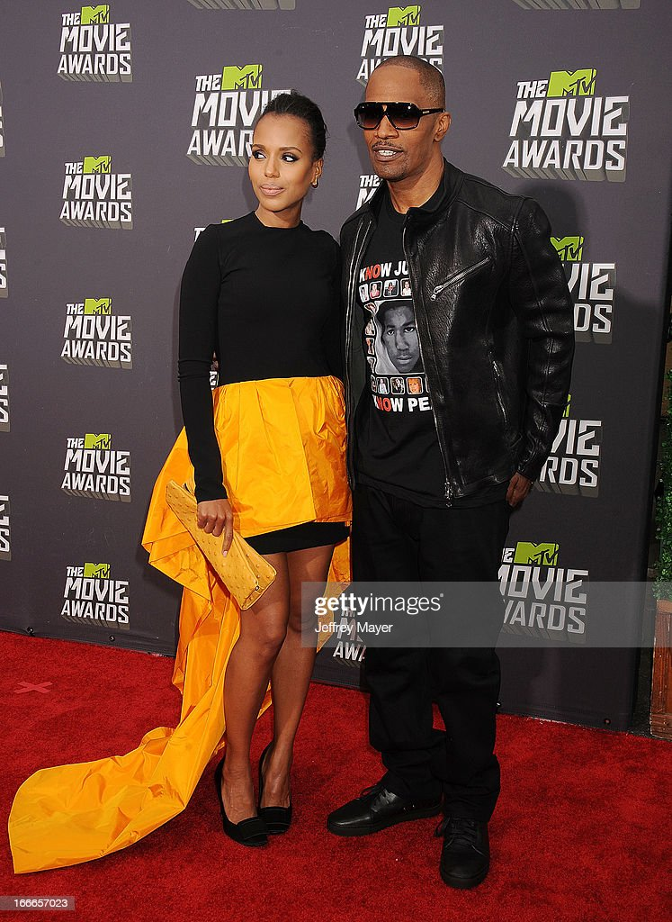 Actors Kerry Washington and Jamie Foxx arrive at the 2013 MTV Movie Awards at Sony Pictures Studios on April 14, 2013 in Culver City, California.