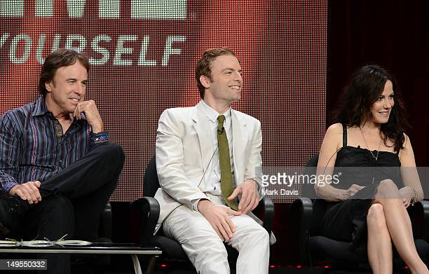 Actors Kevin Nealon Justin Kirk and MaryLouise Parker speak at the 'Weeds' discussion panel during the Showtime portion of the 2012 Summer Television...