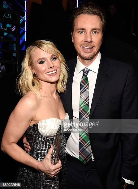 Actors Kristen Bell and Dax Shepard backstage at the People's Choice Awards 2017 at Microsoft Theater on January 18 2017 in Los Angeles California
