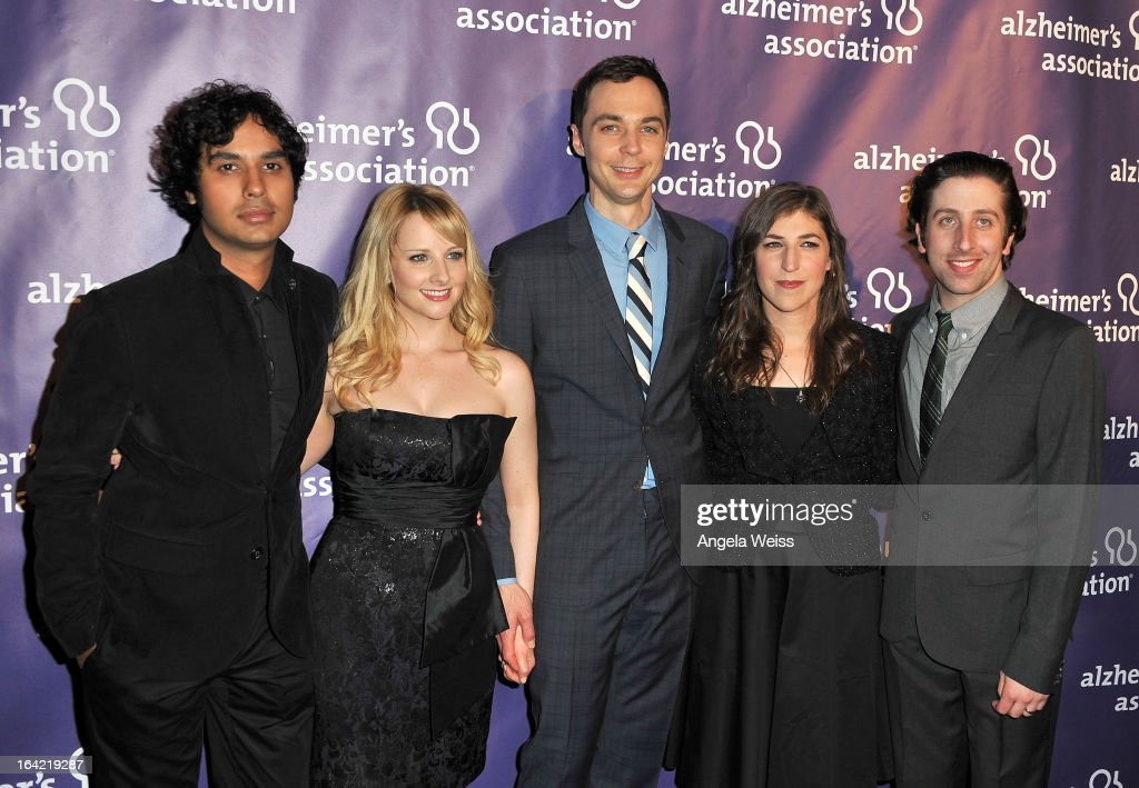 Actors <a gi-track='captionPersonalityLinkClicked' href=/galleries/search?phrase=Kunal+Nayyar&family=editorial&specificpeople=4414736 ng-click='$event.stopPropagation()'>Kunal Nayyar</a>, <a gi-track='captionPersonalityLinkClicked' href=/galleries/search?phrase=Melissa+Rauch&family=editorial&specificpeople=887562 ng-click='$event.stopPropagation()'>Melissa Rauch</a>, Jim Pasons, <a gi-track='captionPersonalityLinkClicked' href=/galleries/search?phrase=Mayim+Bialik&family=editorial&specificpeople=1539271 ng-click='$event.stopPropagation()'>Mayim Bialik</a> and <a gi-track='captionPersonalityLinkClicked' href=/galleries/search?phrase=Simon+Helberg&family=editorial&specificpeople=3215017 ng-click='$event.stopPropagation()'>Simon Helberg</a> arrive at the 21st Annual 'A Night At Sardi's' to benefit the Alzheimer's Association at The Beverly Hilton Hotel on March 20, 2013 in Beverly Hills, California.