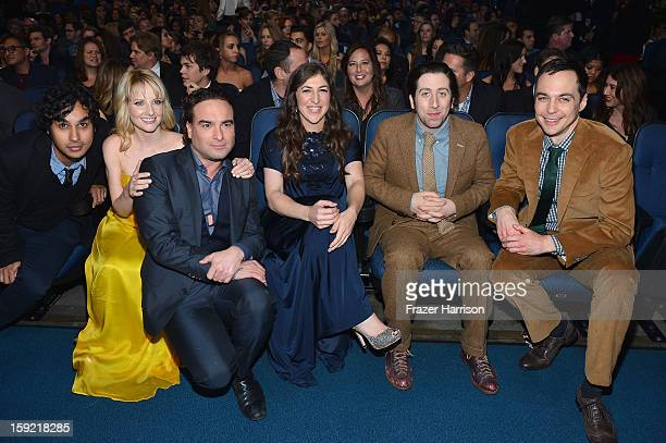 Actors Kunal Nayyar Melissa Rauch Johnny Galecki Mayim Bialik Simon Helberg and Jim Parsons attend the 39th Annual People's Choice Awards at Nokia...