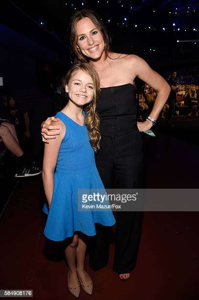 Actors Kylie Rogers and Jennifer Garner attend the Teen Choice Awards 2016 at The Forum on July 31 2016 in Inglewood California