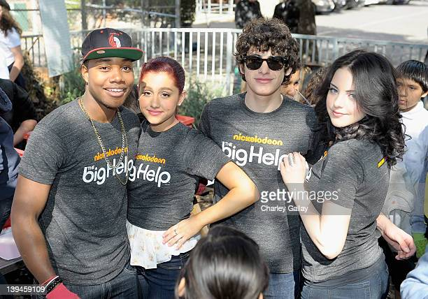 Actors Leon Thomas III Ariana Grande Matt Bennett and Elizabeth Gillies along with fellow castmembers of Nickelodeon's hit series Victorious in...