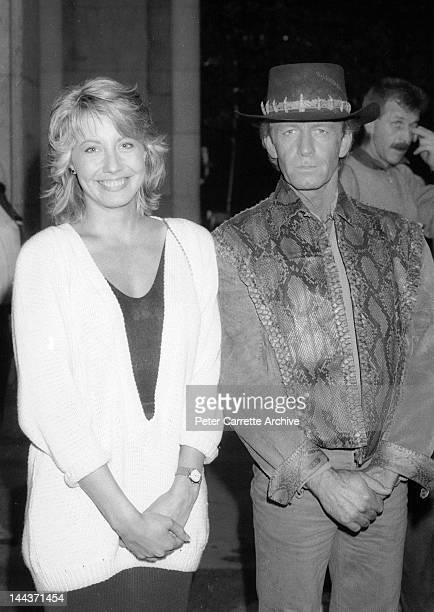 Actors Linda Kozlowski and Paul Hogan on the set of their new film 'Crocodile Dundee' in 1986 in New York City