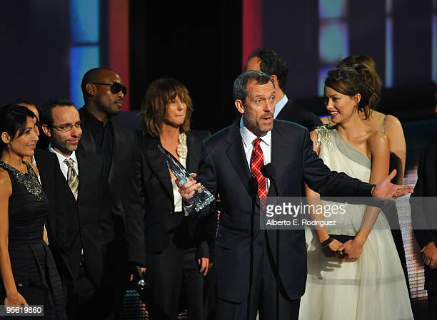 Actors Lisa Edelstein Peter Jacobson Omar Epps Hugh Laurie and Olivia Wilde onstage at the People's Choice Awards 2010 held at Nokia Theatre LA Live...