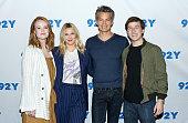 Drew Barrymore, Timothy Olyphant, Liv Hewson, Skyler...