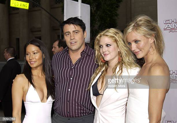 Actors Lucy Liu Matt LeBlanc Drew Barrymore and Cameron Diaz attend the premiere of Columbia Pictures' film 'Charlie's Angels 2 Full Throttle' at the...