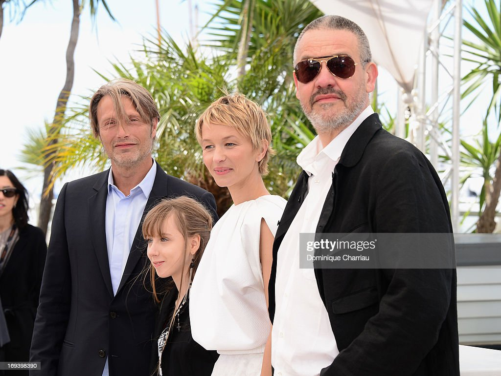 Actors <a gi-track='captionPersonalityLinkClicked' href=/galleries/search?phrase=Mads+Mikkelsen&family=editorial&specificpeople=3003791 ng-click='$event.stopPropagation()'>Mads Mikkelsen</a>, Melusine Mayance, Delphine Chuillot and director Arnaud des Pallieres attend the photocall for 'Michael Kohlhaas' at The 66th Annual Cannes Film Festival at Palais des Festivals on May 24, 2013 in Cannes, France.