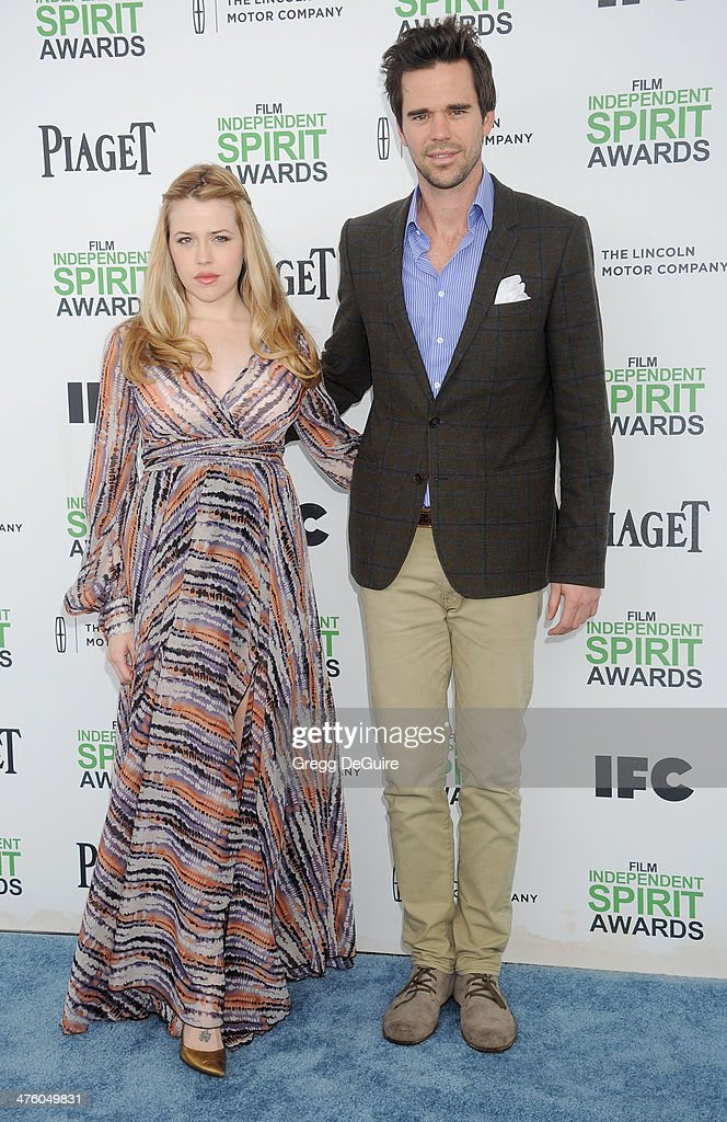 Actors <a gi-track='captionPersonalityLinkClicked' href=/galleries/search?phrase=Majandra+Delfino&family=editorial&specificpeople=691191 ng-click='$event.stopPropagation()'>Majandra Delfino</a> and David Walton arrive at the 2014 Film Independent Spirit Awards on March 1, 2014 in Santa Monica, California.