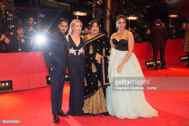 Actors Manish Dayal Gillian Anderson film director Gurinder Chadha and actress Huma Qureshi attend the 'Viceroy's House' premiere during the 67th...