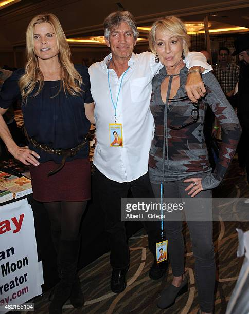 Actors Mariel Hemingway Eric Roberts and Sandahl Bergman at The Hollywood Show held at The Westin Hotel LAX on January 24 2015 in Los Angeles...