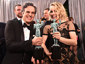 Actors Mark Ruffalo and Rachel McAdams winners of the Outstanding Performance by a Cast in a Motion Picture award for 'Spotlight' pose backstage at...