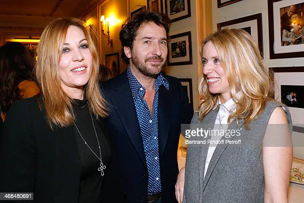 Actors Mathilde Seigner Edouard Baer and Lea Drucker attend 'La Porte a Cote' Theater Play premiere Held at Theatre Edouard VII on February 10 2014...