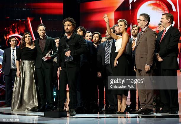 Actors Mayim Bialik Jim Parsons Johnny Galecki Kunal Nayyar Simon Helberg Kaley CuocoSweeting and producer Bill Prady accept the Favorite TV Show...