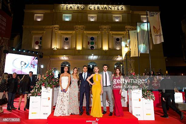 Actors Megan Montaner Alejandra Onieva Martin Rivas Ana de Armas Richard Shaul Andrea Duro and director David Menkes attend the 'Por un Punado de...