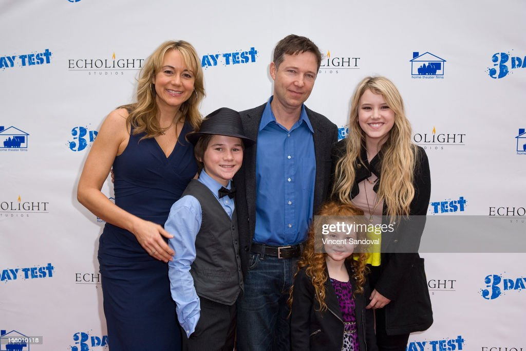 Actors <a gi-track='captionPersonalityLinkClicked' href=/galleries/search?phrase=Megyn+Price&family=editorial&specificpeople=752680 ng-click='$event.stopPropagation()'>Megyn Price</a>, Aidan Potter, George Newbern, Francesca Capaldi and <a gi-track='captionPersonalityLinkClicked' href=/galleries/search?phrase=Taylor+Spreitler&family=editorial&specificpeople=5784396 ng-click='$event.stopPropagation()'>Taylor Spreitler</a> attend the Los Angeles Premiere of '3 Day Test' at Downtown Independent Theatre on December 8, 2012 in Los Angeles, California.