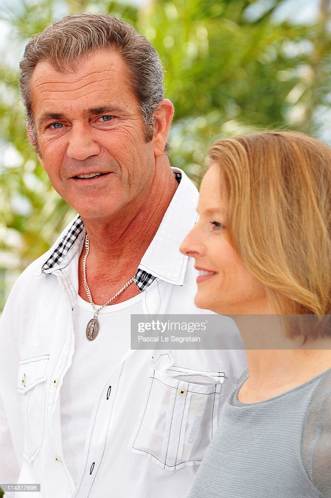 Actors Mel Gibson (L) and <a gi-track='captionPersonalityLinkClicked' href=/galleries/search?phrase=Jodie+Foster&family=editorial&specificpeople=204488 ng-click='$event.stopPropagation()'>Jodie Foster</a> attend 'The Beaver' photocall at the Palais des Festivals during the 64th Cannes Film Festival on May 18, 2011 in Cannes, France.