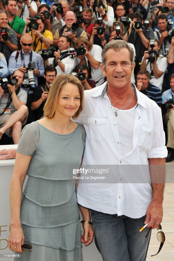 Actors Mel Gibson (R) and Jodie Foster attend 'The Beaver' photocall at the Palais des Festivals during the 64th Cannes Film Festival on May 18, 2011 in Cannes, France.