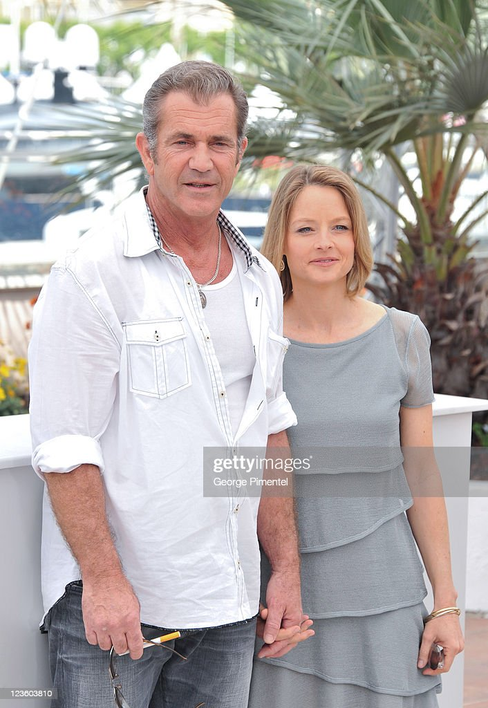 Actors Mel Gibson and Jodie Foster attend 'The Beaver' Photocall at the Palais des Festivals during the 64th Cannes Film Festival on May 18, 2011 in Cannes, France.