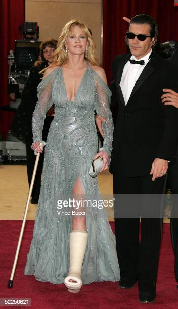 Actors Melanie Griffith and husband Antonio Banderas arrive at the 77th Annual Academy Awards at the Kodak Theater on February 27 2005 in Hollywood...