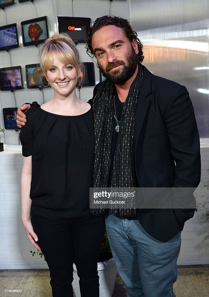 Actors <a gi-track='captionPersonalityLinkClicked' href=/galleries/search?phrase=Melissa+Rauch&family=editorial&specificpeople=887562 ng-click='$event.stopPropagation()'>Melissa Rauch</a> (L) and <a gi-track='captionPersonalityLinkClicked' href=/galleries/search?phrase=Johnny+Galecki&family=editorial&specificpeople=832098 ng-click='$event.stopPropagation()'>Johnny Galecki</a> attend Day 2 of The Samsung Galaxy Experience on July 19, 2013 in San Diego, California.
