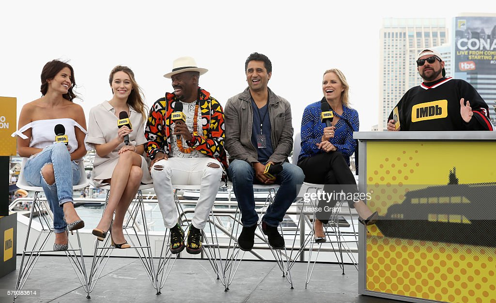 Actors Mercedes Masohn Alycia DebnamCarey Coleman Domingo Cliff Curts and Kim Dickens with director Kevin Smith attend AMC at ComicCon on July 23...