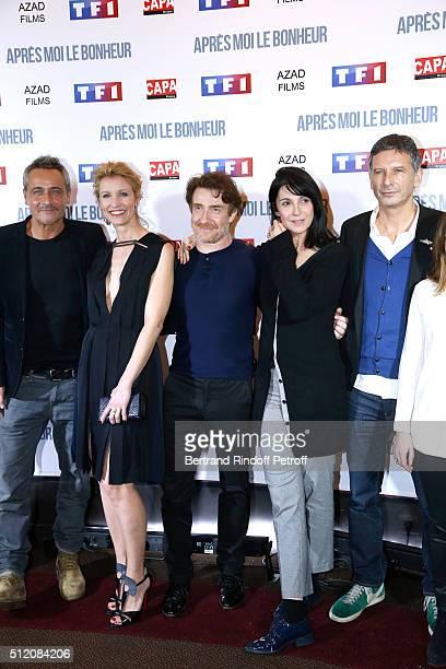 Actors Michael Abiteboul JeanMichel Tinivelli Alexandra Lamy Thierry Fremont Zabou Breitman and Director Nicolas Cuche attend the 'Apres Moi Le...