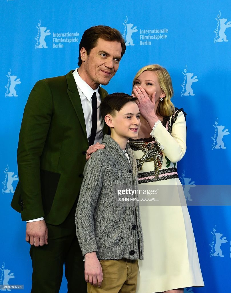 US actors (L-R) Michael Shannon, Jaeden Lieberher and Kirsten Dunst pose during a photocall for the film 'Midnight Special' presented at the Berlinale Film Festival in Berlin on February 12, 2016. Eighteen pictures will vie for the Golden Bear top prize at the event which runs from February 11 to 21, 2016. / AFP / John MACDOUGALL