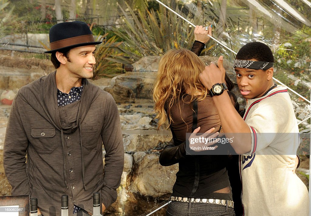 Actors Michael Steger, AnnaLynne McCord, Shenae Grimes and Tristan Wilds pose at the CW Network's '90210' Season 5 Wrap Party on March 3, 2013 in Los Angeles, California.
