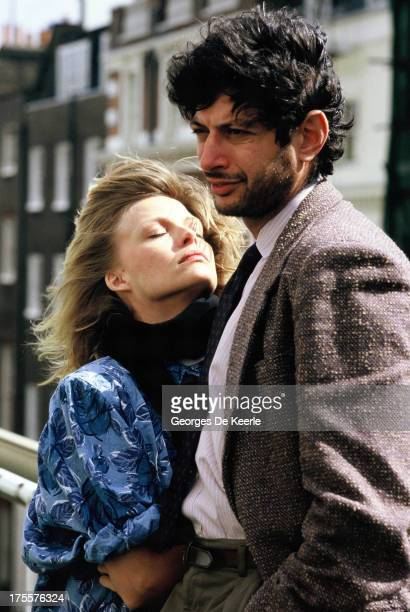 Actors Michelle Pfeiffer and Jeff Goldblum pose on set during filming of 'Into The Night' directed by John Landis on April 1985 in London England
