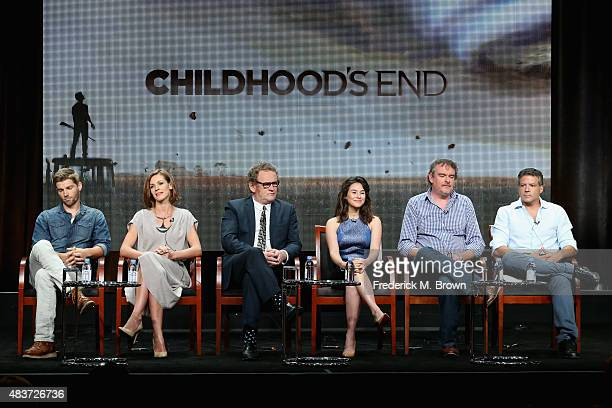 Actors Mike Vogel Daisy Betts Colm Meaney Yael Stone writer/executive producer Matthew Graham and executive producer Michael De Luca speak onstage...