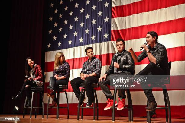 Actors Miranda Cosgrove Jennette McCurdy Nathan Kress Noah Munck and Jerry Trainor of Nickelodeon's iCarly speak at MCAS Miramar on January 9 2012 in...