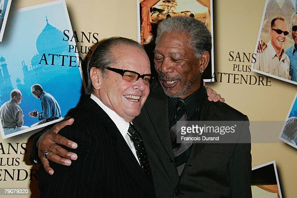 S actors Morgan Freeman and Jack Nicholson pose as they arrive to attend the premiere of the movie 'The Bucket List' directed by Rob Reiner on...