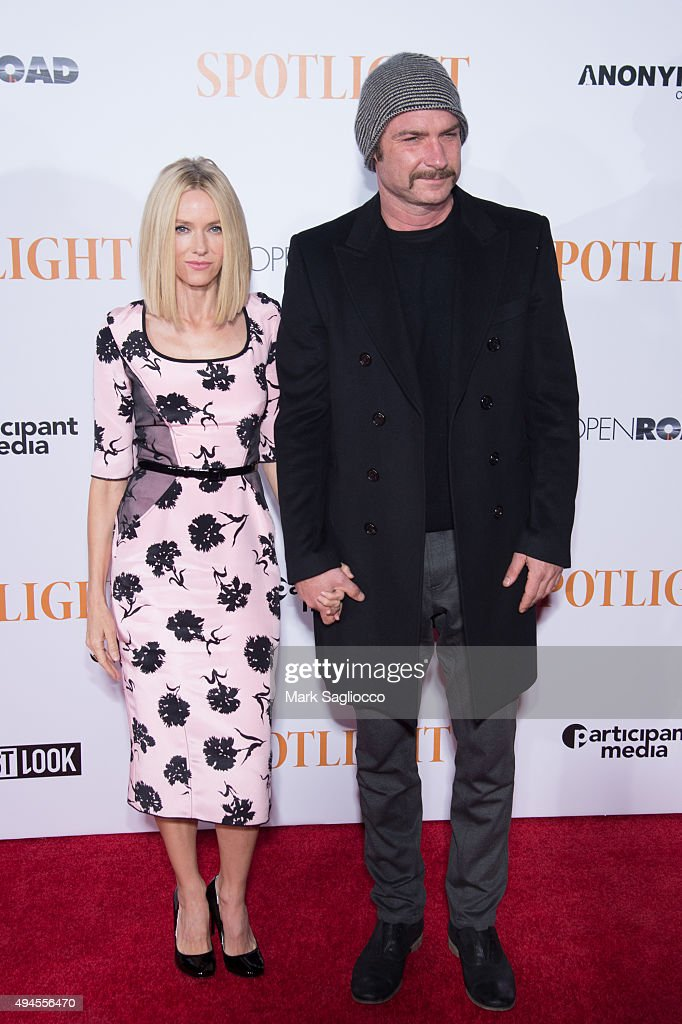 Actors Naomi Watts (L) and Liev Schreiber attends the 'Spotlight' New York premiere at Ziegfeld Theater on October 27, 2015 in New York City.