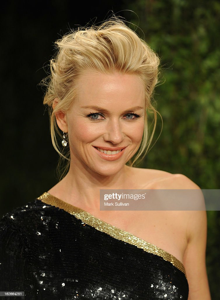 Actors Naomi Watts arrives at the 2013 Vanity Fair Oscar Party at Sunset Tower on February 24, 2013 in West Hollywood, California.